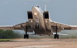 """[ẢNH] Cận cảnh """"sát thủ tàu sân bay"""" Tu-22M"""