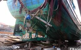 Con tàu lịch sử bị tàu vỏ sắt Trung Quốc đâm chìm phơi mưa nắng