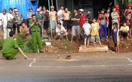 Nam sinh đâm chết người trước cổng trường học