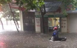 Thành phố Nam Định đang chìm trong biển nước