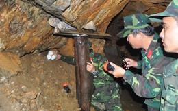 Đánh sập 60 hầm vàng bằng 1 tấn thuốc nổ