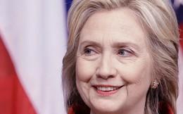 """Clinton coi nhẹ Trump, vô tình """"chỉ điểm"""" 3 đối thủ nặng kí nhất"""