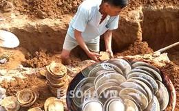 Đổ xô đến hỏi mua gần 70 bát đĩa cổ người dân đào được