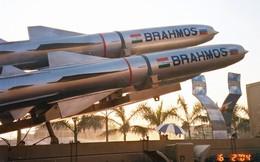 """Tên lửa BrahMos """"biết tự quay về"""" hay chiêu lách luật của Ấn Độ?"""