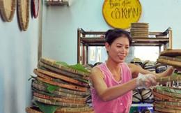 Người thân giúp Trang Trần bán hàng trong những ngày bị bắt