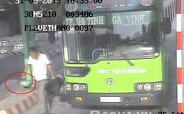 Bắt hung thủ đâm thủng bụng nhân viên xe buýt nhờ camera