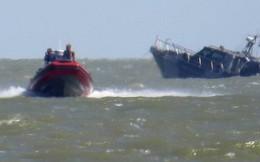 Tàu Ukraine trúng bom tự chế của phe ly khai