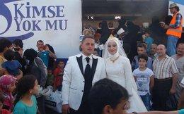 Cặp đôi Thổ Nhĩ Kỳ chiêu đãi 4000 người tị nạn trong đám cưới của mình