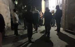 Hà Nội: Tên cướp táo tợn kề dao vào cổ, đâm tài xế taxi