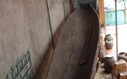 Chiêm ngưỡng con thuyền độc mộc cổ và lớn nhất thế giới còn nguyên vẹn tại Hạ Long