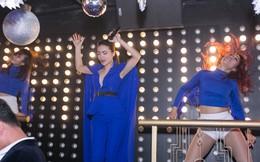 Yến Trang nhảy tưng bừng chào đón năm mới