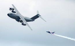 """ẢNH: Tiêm kích JF-17 Trung Quốc """"chìm"""" trong dàn chiến cơ Âu - Mỹ"""