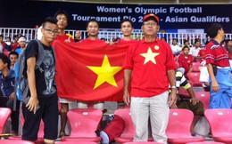 Cảm động tình yêu bóng đá Việt của mẹ con người... Myanmar