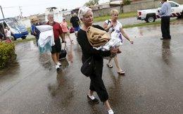 Mexico thở phào trước siêu bão mạnh kỷ lục