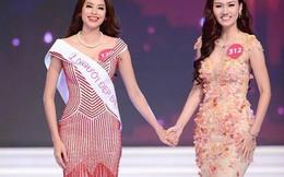 Hành động gây tranh cãi lúc đăng quang của Phạm Hương