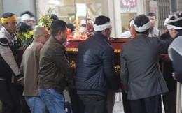 Xót xa tang lễ cụ bà 95 tuổi bị bê ra vỉa hè ở Hà Nội