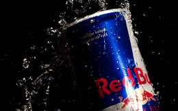 Đổ Red Bull vào chì nóng chảy: Kết quả bất ngờ