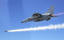 Máy bay chiến đấu có vũ trang của Trung Quốc tập trận ở Trường Sa