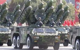 """Mỹ """"đau đầu"""" vì vị khách bất ngờ tới lễ duyệt binh của Bắc Kinh"""