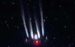 """""""Tóm"""" được phi thuyền khổng lồ nghi UFO tại châu Âu"""