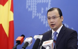 Bộ Ngoại giao lên tiếng phản đối việc tàu TQ chĩa súng vào tàu VN