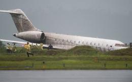 """Máy bay chở trợ lý Tổng thống Philippines """"nhảy"""" khỏi đường băng"""