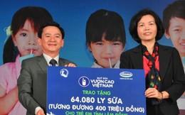 """Quỹ sữa """"Vươn cao Việt Nam"""" mang Tết Trung thu đến trẻ em nghèo"""