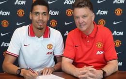 Man United ký hợp đồng mới với Chris Smalling