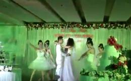 Dân mạng tranh cãi clip cô dâu chú rể hát quá đỉnh trong đám cưới