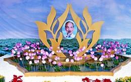 Bức tranh Bác Hồ bằng hoa sen lớn nhất thế giới