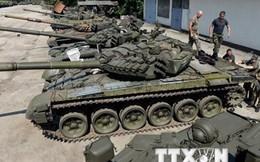 Ukraine: Cả 2 phe đều dùng vũ khí hạng nặng, vi phạm thỏa thuận Minsk