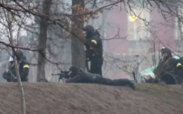 """""""Xạ thủ bắn người biểu tình Ukraine được huấn luyện ở Ba Lan"""""""