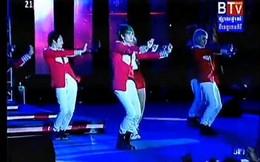 Ca sĩ Campuchia đạo vũ điệu nóng bỏng của Tóc Tiên