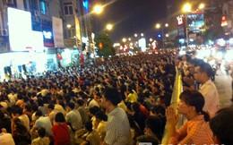 """Ức phát khóc dịch vụ """"chặt chém"""" tại lễ Vu lan ở Hà Nội"""