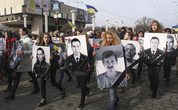 Kiev chưa rút vũ khí hạng nặng