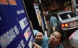 Điều hành thị trường xăng dầu: Bộ lo cãi nhau, người dùng chịu thiệt