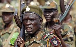 """Nam Sudan """"trả lương bằng sex"""" cho dân quân"""