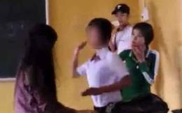 Nữ sinh tát bôm bốp vào mặt bạn giữa lớp vì... ghen