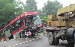 Ô tô đối đầu kinh hoàng trên đường tránh thành phố Hà Tĩnh
