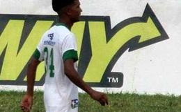 Sốc: Cầu thủ 18 tuổi bị côn đồ đánh đến chết trên đường ra SVĐ