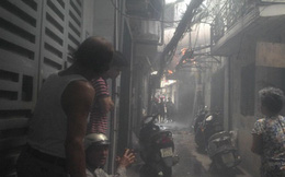 Hà Nội: Cháy lớn tại phố Thái Hà, người dân hoảng loạn
