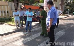 Hai thanh niên bị đâm trước cổng trường 1 chết, 1 nguy kịch