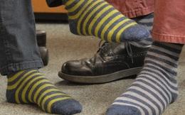 Lão nông 65 tuổi tạo ra tất chân mang cả năm không có mùi, cũng không cần giặt