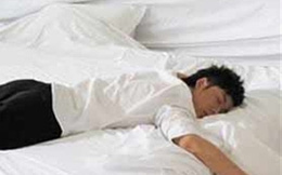 Tư thế ngủ dễ gây đột tử khi quá chén