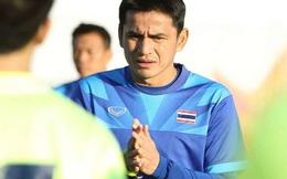 """Kiatisak vẫn rất """"cứng"""" khi cúi đầu nhận lỗi trước NHM Thái Lan"""