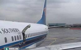 """Máy bay trễ chuyến vì hành khách muốn """"hít thở chút không khí"""""""