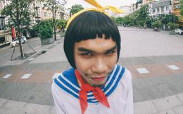Chàng trai Việt mặc váy chụp ảnh trên phố Nguyễn Huệ: Hình ảnh gây sốt trong ngày