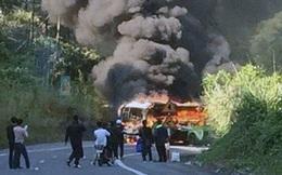 Xe ôtô bốc cháy sau va chạm, một người Hàn Quốc thiệt mạng