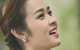 """Nhan sắc """"gái một con trông mòn đôi mắt"""" của hot girl Việt"""