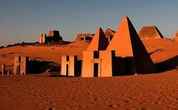 """Những kim tự tháp bị lãng quên này """"hoành tráng"""" không kém ở Ai Cập"""